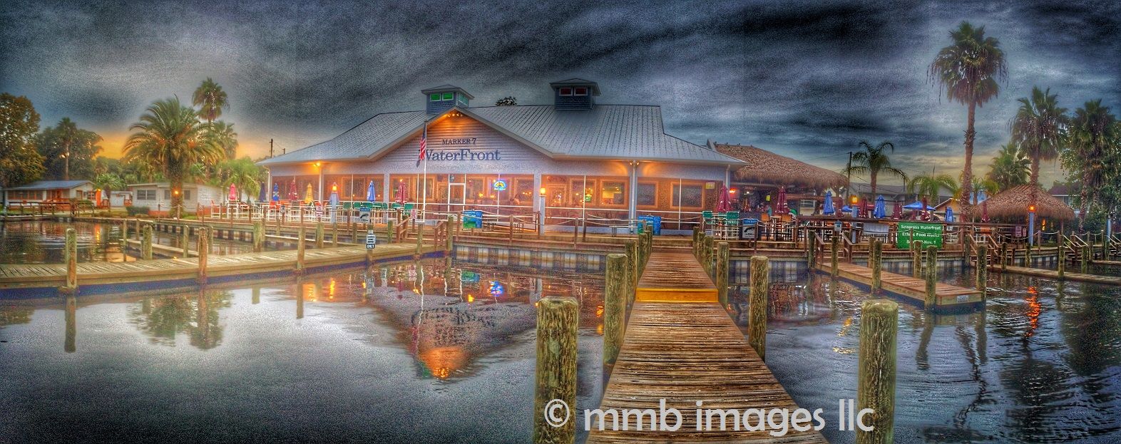 Seagrass Restaurant at the Homosassa River
